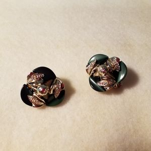 Green and Goldtone clip on earring